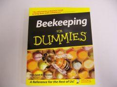 Beekeeping For Dummies (Blackiston)